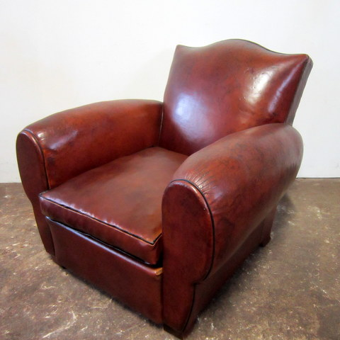 Club armchair old gendarme hat