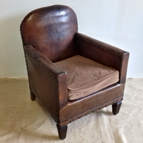 1930s Club armchair with round backrest