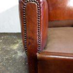 Paire de fauteuils club cloutés années 1930 - Detail 2