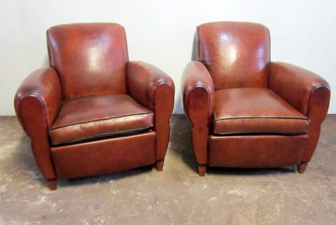 Paire de fauteuils club dossier droit